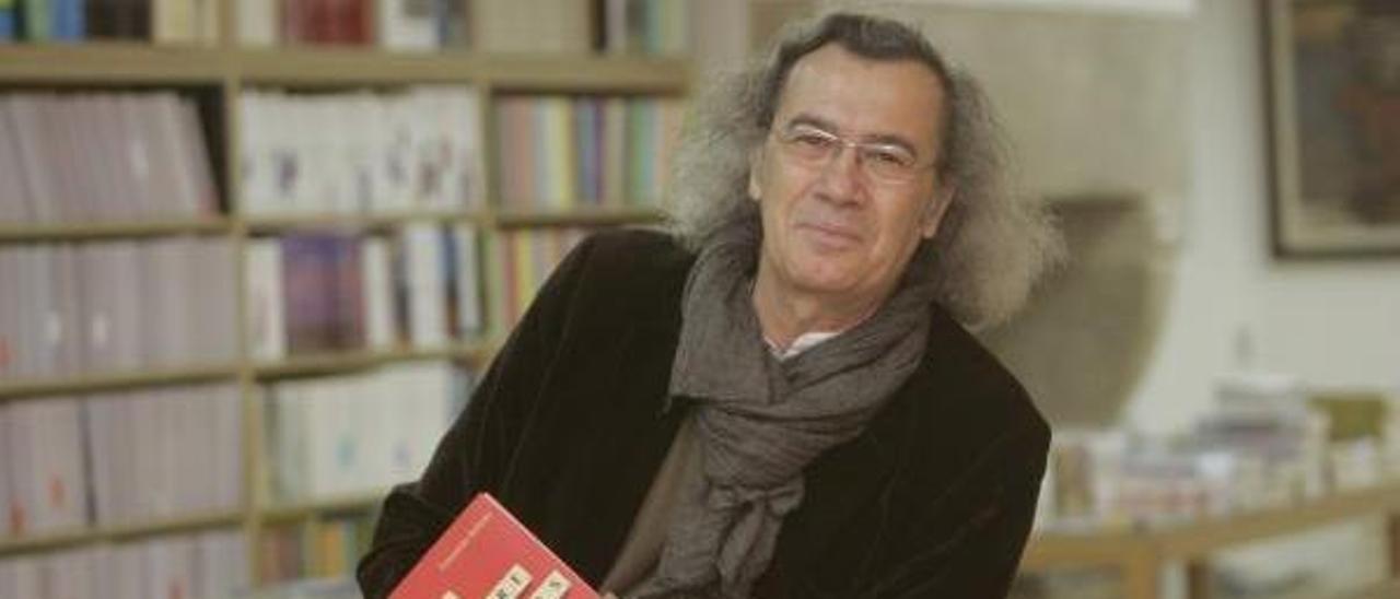 El poeta asturiano Fernando Beltrán. / Xoán Álvarez
