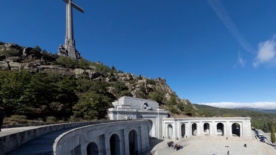 El Gobierno pide la licencia para iniciar las exhumaciones del Valle de los Caídos