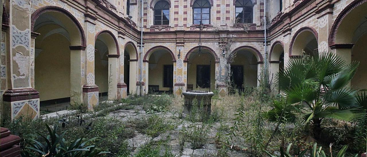 El claustro del Monasterio d'Aigües Vives será una de las localizaciones del largometraje.   VICENT M. PASTOR