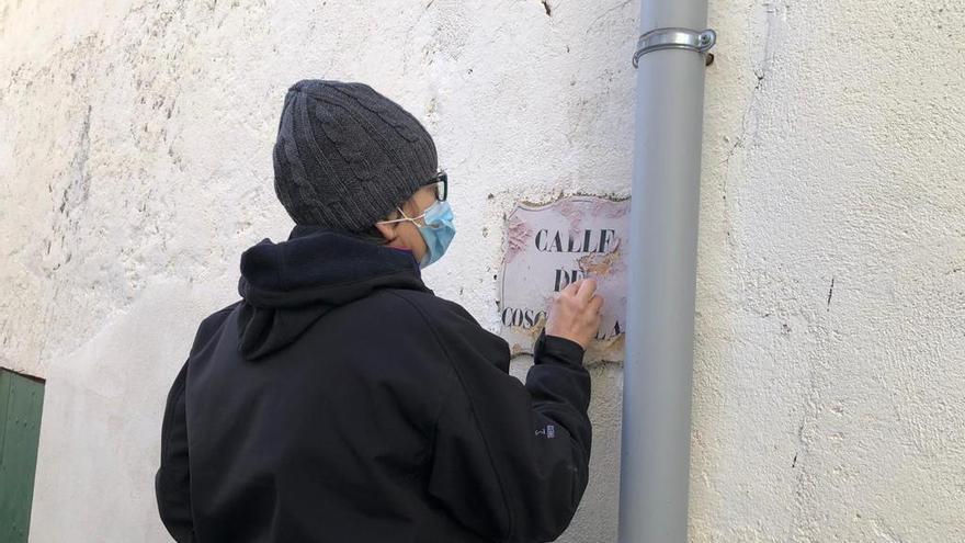 Roses restaura dues plaques dels carrers Cosconilles i Nou Més Alt datades del segle XIX