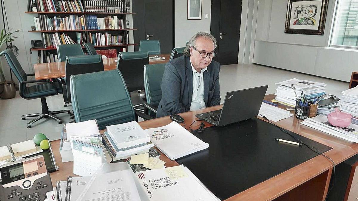 March, durante una de las reuniones que mantuvo ayer con representantes del sector.   caib
