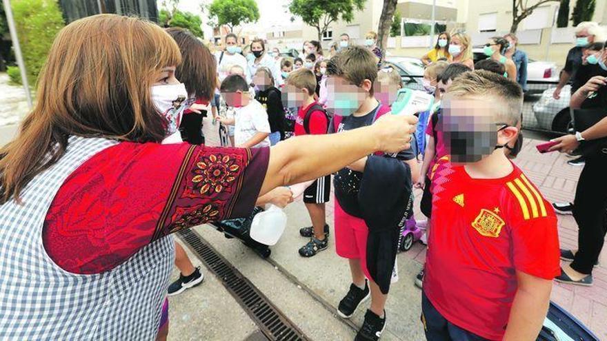 Los docentes de Castellón piden mejores mascarillas y PCR periódicas