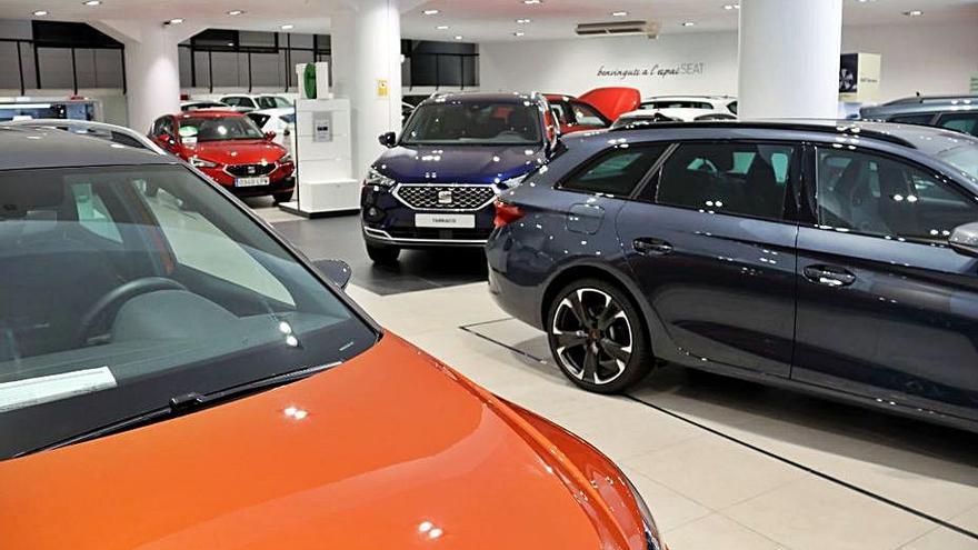 La falta de microxips ja afecta les vendes de vehicles a la província