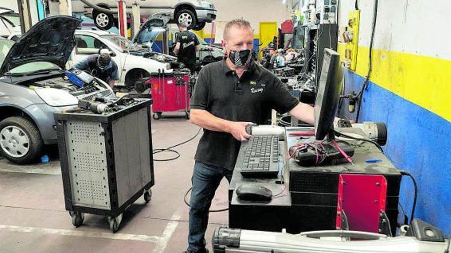 """Los talleres, ante la desidia de algunos conductores en Zamora: """"Un coche es como un niño"""""""