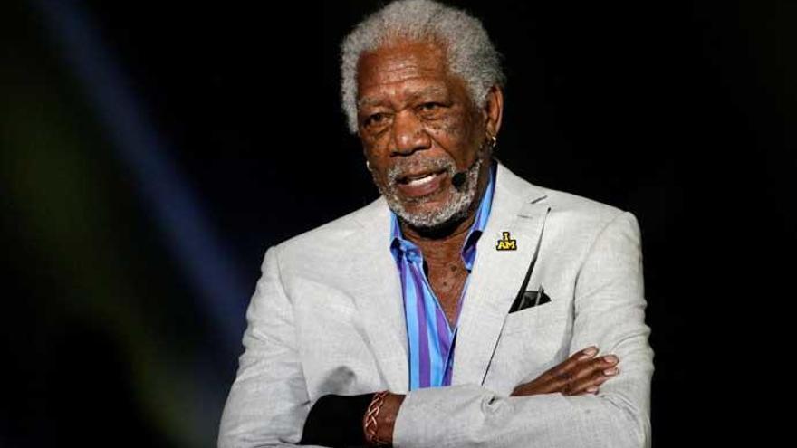 Morgan Freeman se disculpa tras ser acusado de acoso sexual