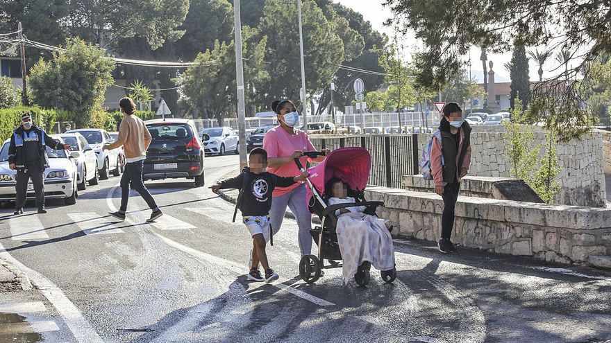 Las obras del Tossal ignoran el punto negro de tráfico junto a los centros escolares