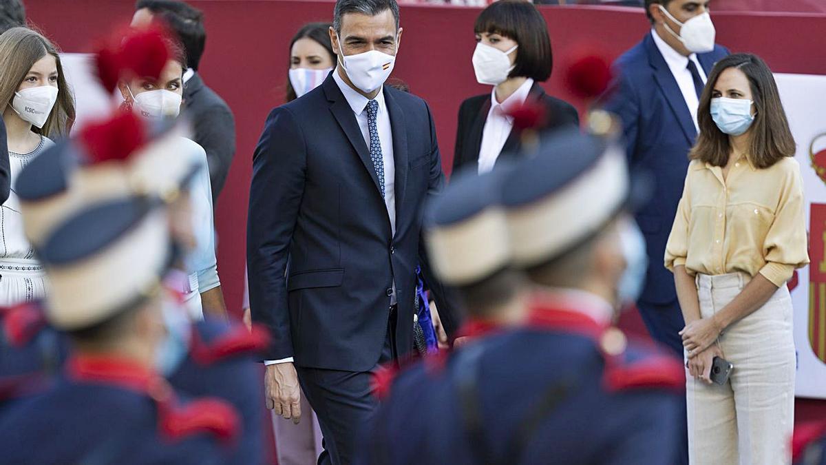 El president del Govern, Pedro Sánchez, a l'arribada a la desfilada  | EP