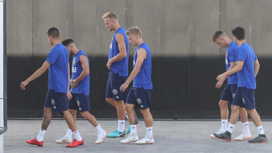 El Valencia inicia la pretemporada de Suiza con 25 futbolistas