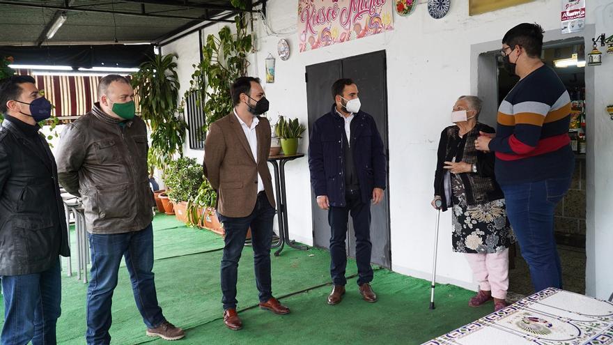 El PSOE pide a Urbanismo que mantenga el kiosco María en La Pelusa