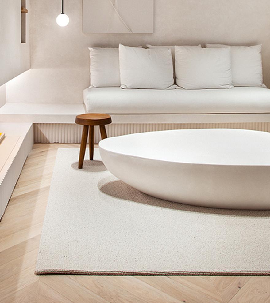 Muebles reciclados y tecnología antibacterias para un diseño interior sostenible