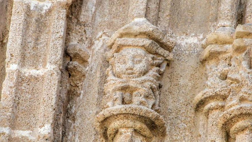 La iglesia gótica de Xàbia saca a la luz sus demonios