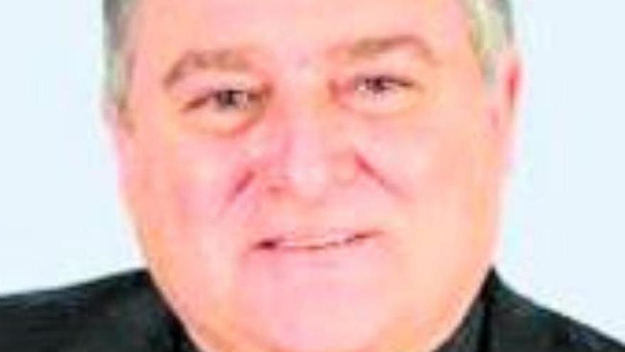 El obispo Mazuelos celebrará este miércoles en Santa Ana el funeral por su madre fallecida
