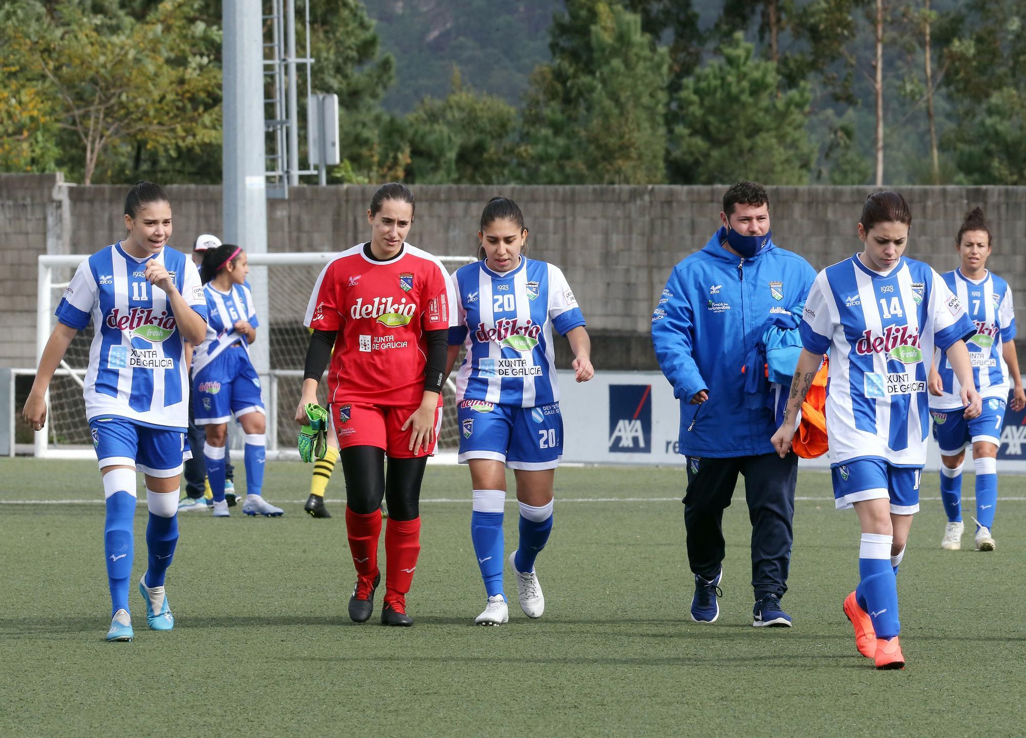 El Mos se estrenó con una abultada victoria en categoría nacional femenina ante el Valladares. Marta G. Brea