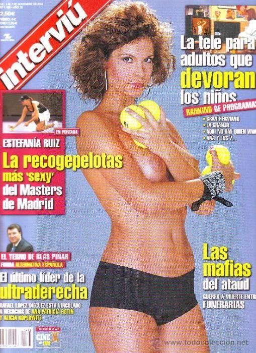 Estefanía Ruiz, Bellea del Foc 1998, posó para la revista Interviú en 2004. También fue azafata del Telecupón.