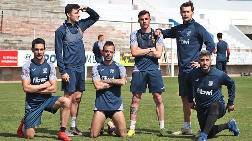 Poblense y Atlético Baleares dirimen esta tarde un derbi decisivo por la permanencia