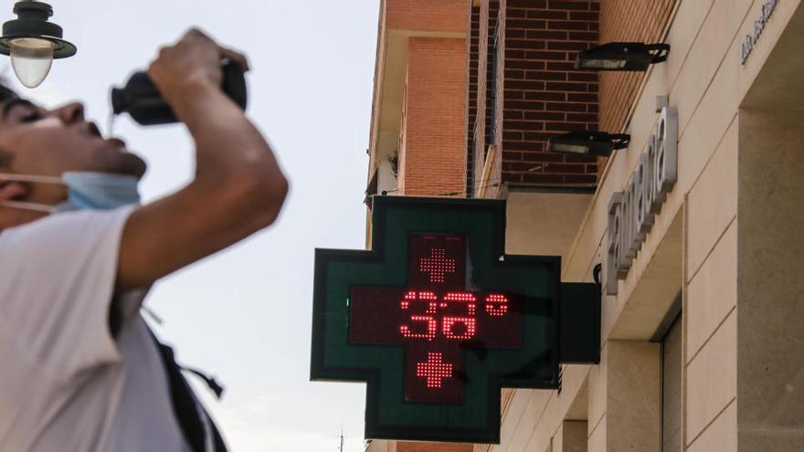 Sanidad activa la alerta por calor en l'Alcoià y El Comtat