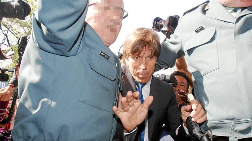 Manuel Benítez no asiste al juzgado ni impugna las pruebas de paternidad