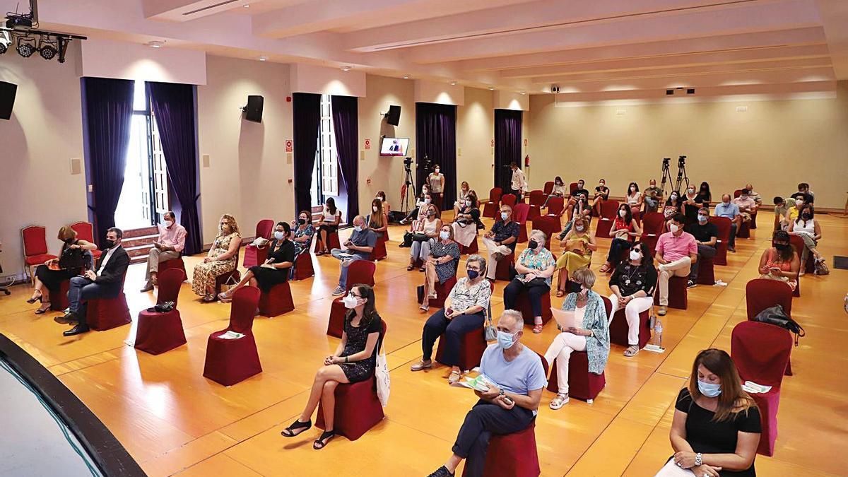 Asistentes a las jornadas, celebradas ayer en el salón de actos de la Diputación.