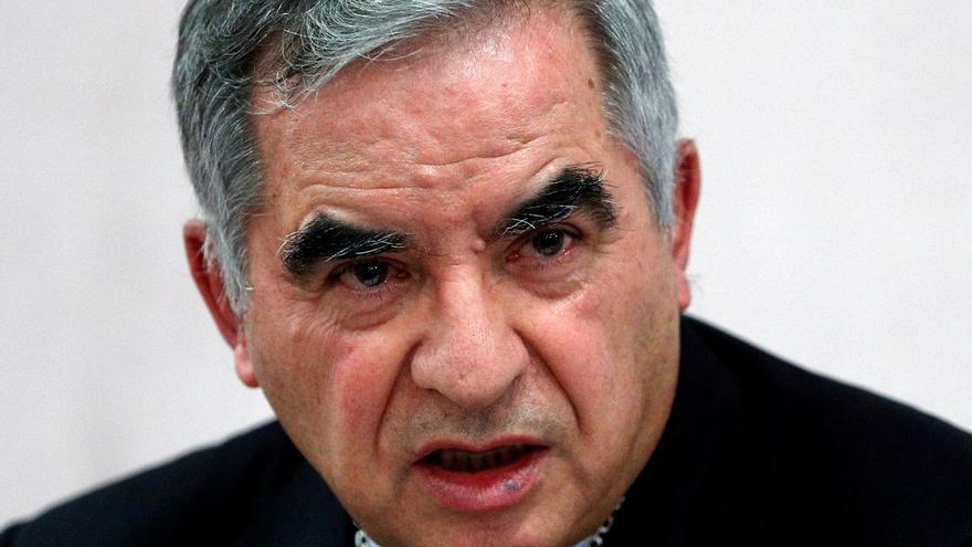 """Becciu se declara inocente en el primer día del juicio por corrupción en el Vaticano: """"Confío en el tribunal"""""""
