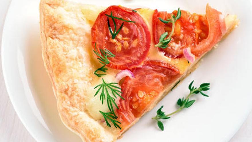 Com fer una pizza d'hummus, pas a pas