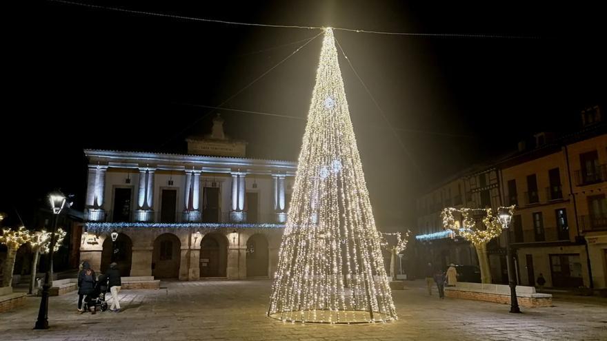 Toro repartirá 1.250 euros en premios con dos concursos navideños