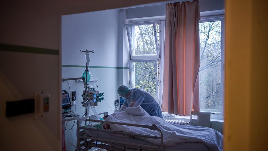 El número de pacientes ingresados supera el centenar