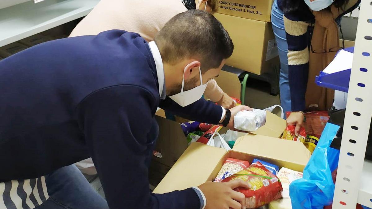 El IES Maestro Juan Calero de Monesterio recoge alimentos para familias desfavorecidas