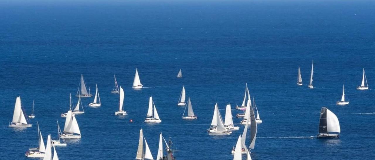 La regata ARC Plus se despide del puerto de Las Palmas de Gran Canaria rumbo al Caribe en la edición del pasado año.