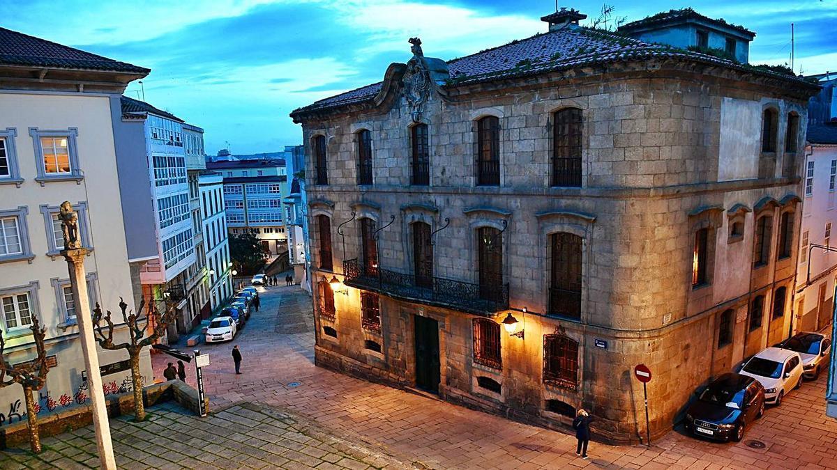 La casa Cornide, en la Ciudad Vieja.  | // CARLOS PARDELLAS