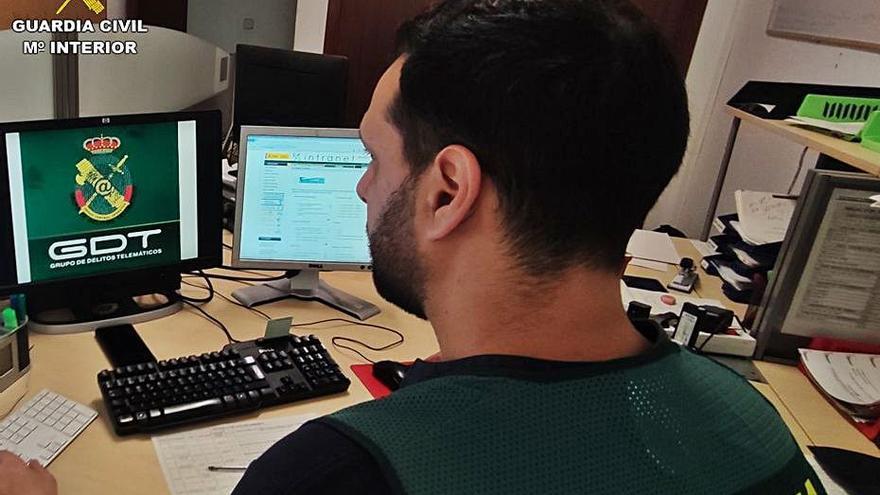 Usan un datáfono de una tienda de Torrevieja para estafar 14.000 euros