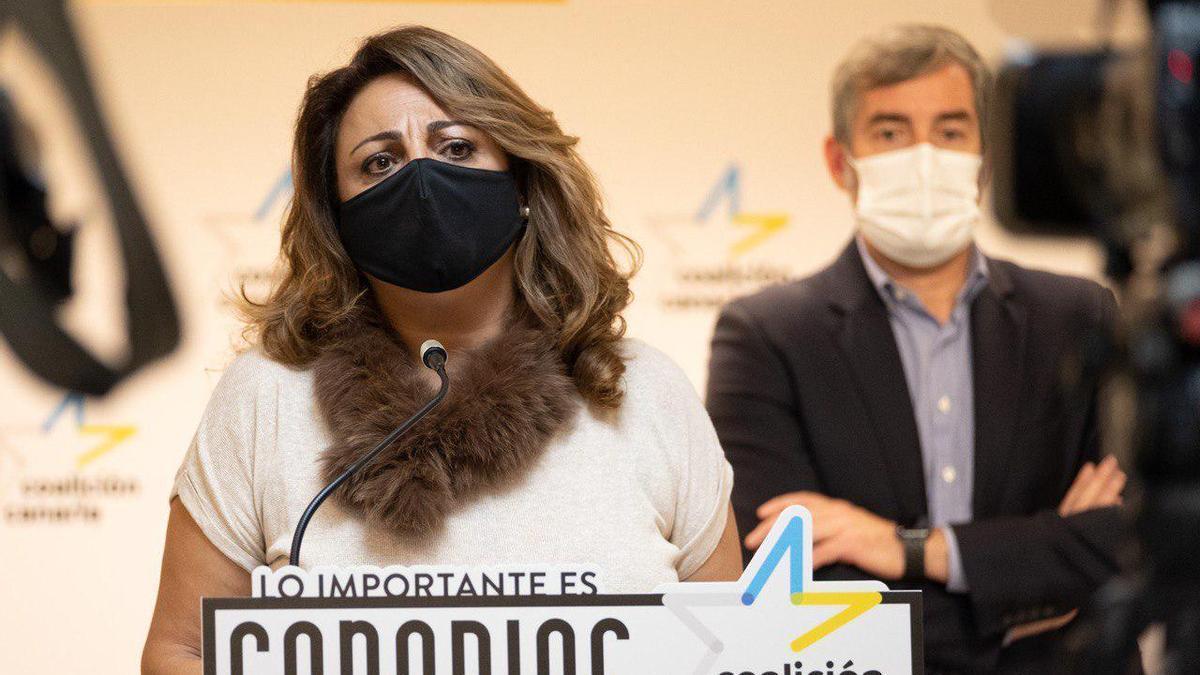Cristina Valido interviene en la presentación del documento para el rescate social de Canarias.