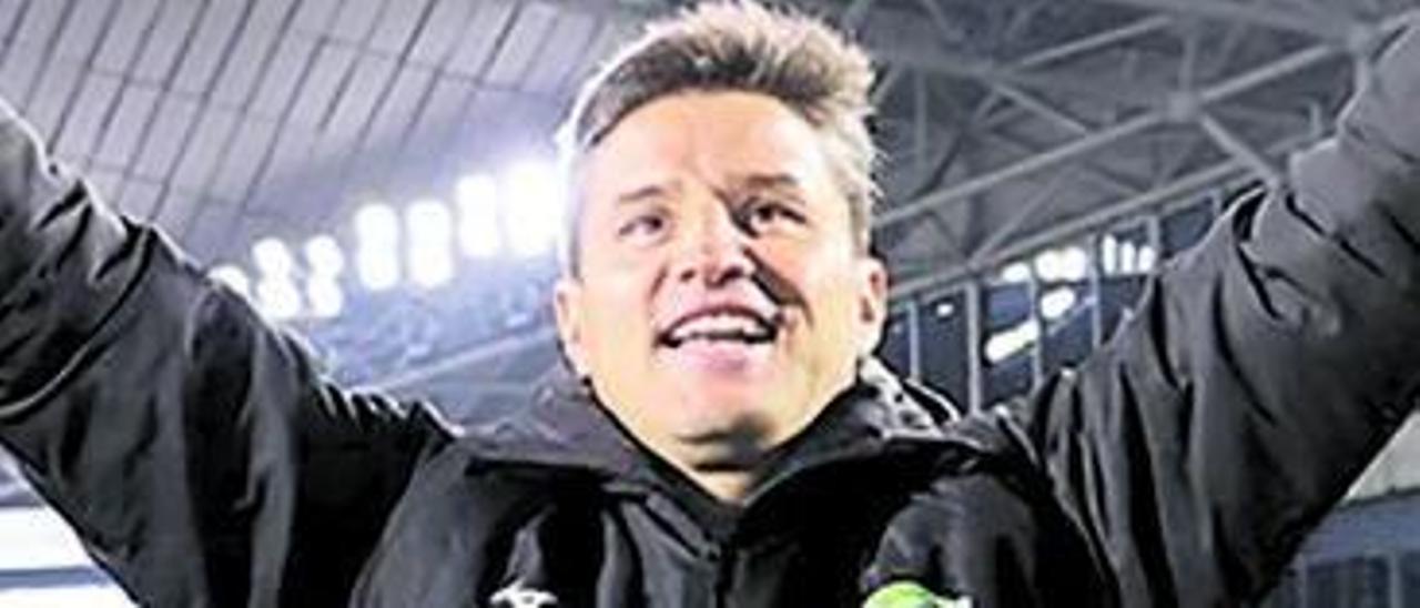 Ricardo Rodríguez, tras lograr el ascenso con el Tokushima. | Tokushima