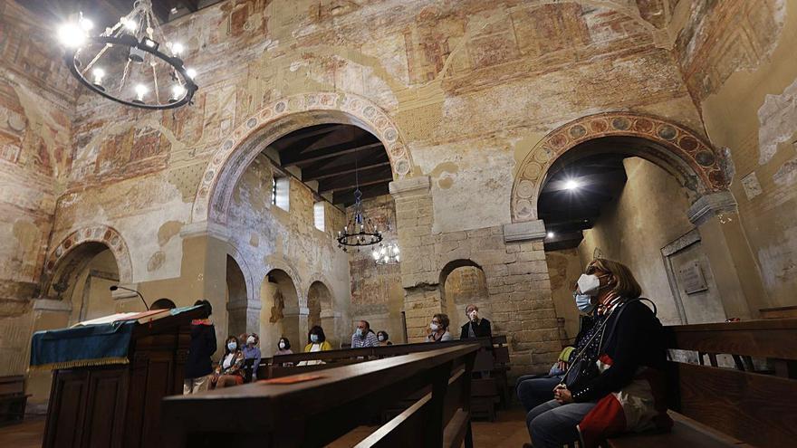 Patrimonio da luz verde a los ensayos para enlucir los muros de Santullano