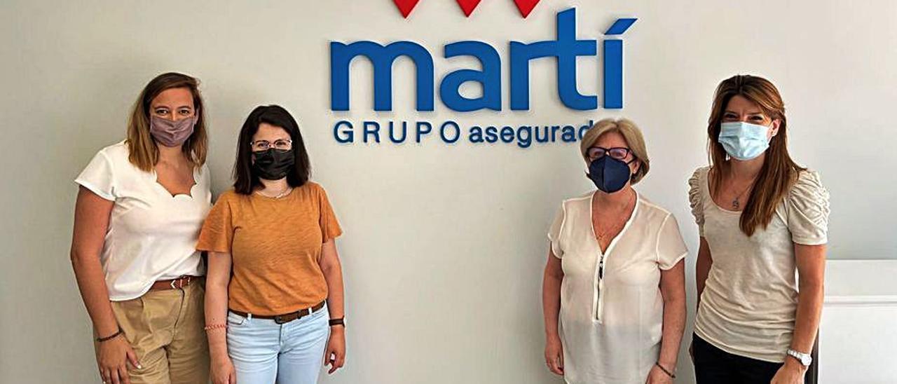 Las empleadas del Grupo Martí en la nueva sede de la calle Ordana.  | INFORMACIÓN