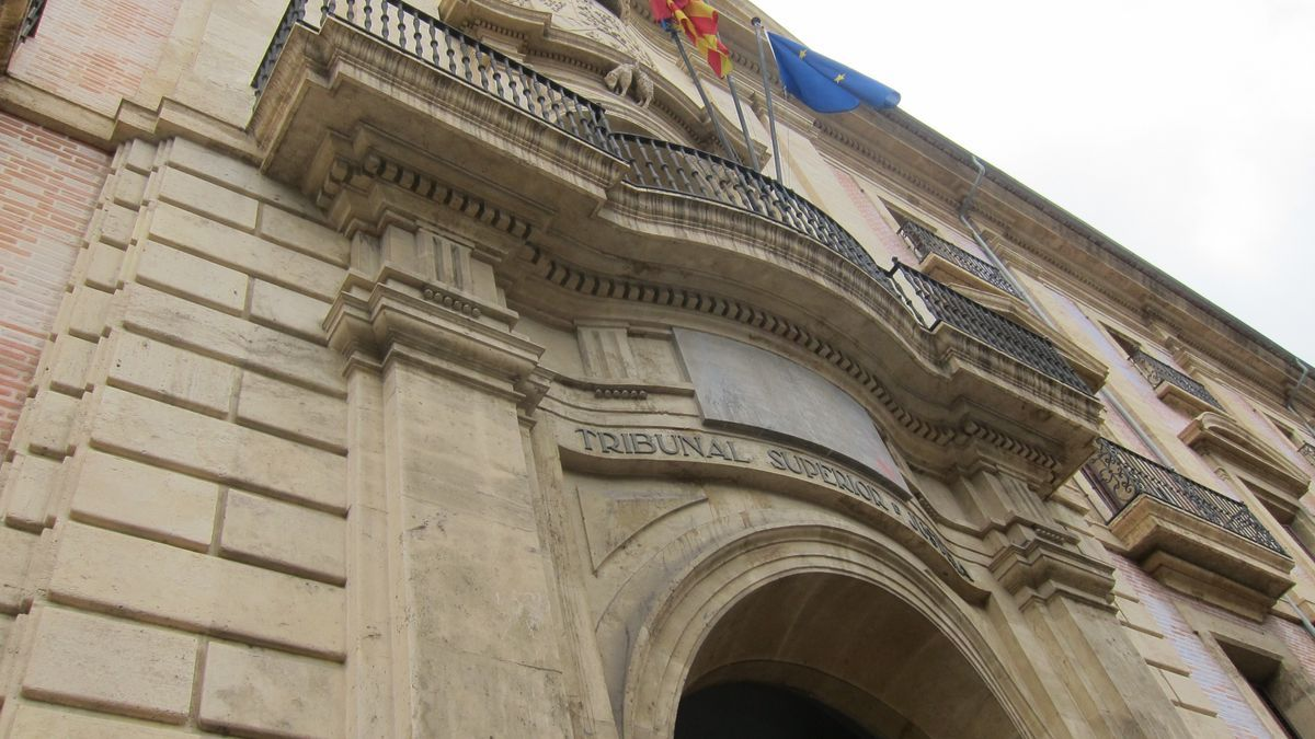 El TSJ anula la exigencia del título de valenciano para que habilitados nacionales accedan a bolsas de secretarios
