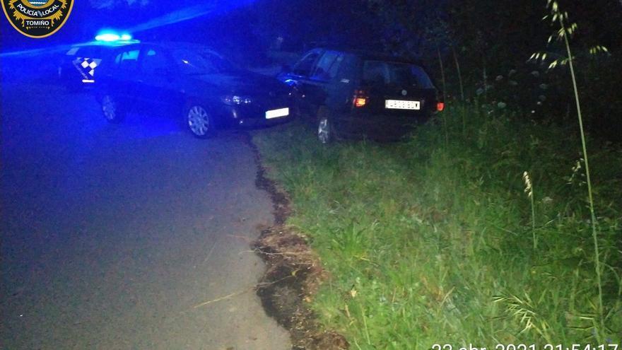 La Policía busca a un conductor que se dio a fuga tras un accidente con tres heridos en Tomiño
