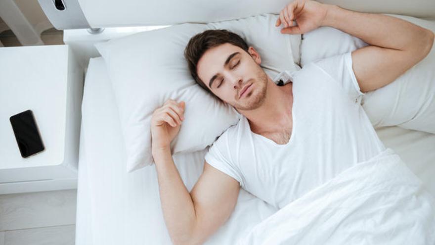 Así tienes que dormir para adelgazar