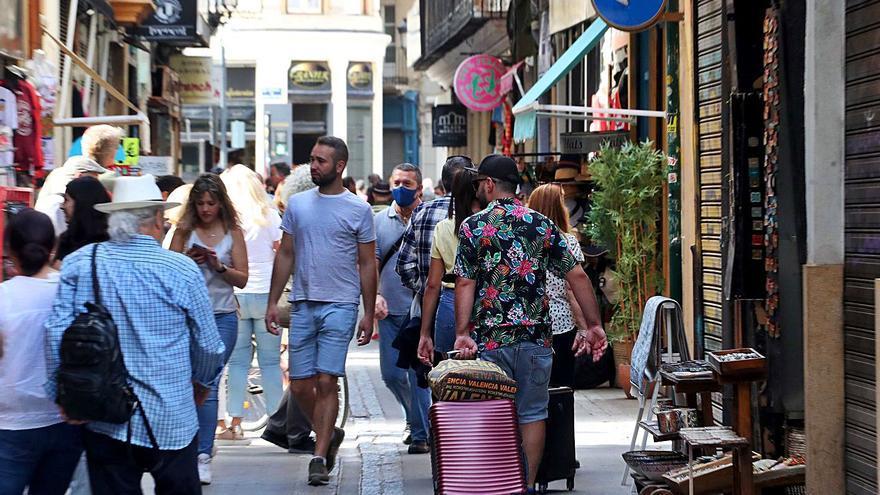 El retraso de los fondos europeos y la bajada del turismo lastran la recuperación