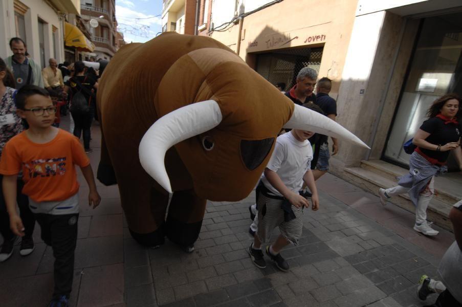 Los toros hinchables llenaron las calles