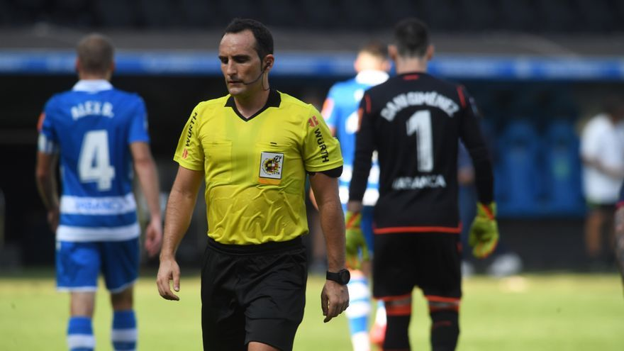 El árbitro Arcediano Monescillo da positivo en covid y no pitará mañana al Oviedo