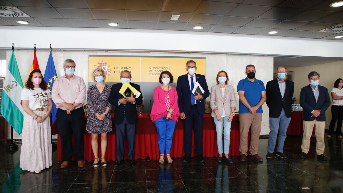 Asistentes a la comisión de seguimiento del PFEA de Córdoba.