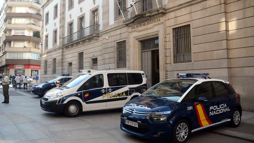 La Audiencia de Pontevedra condena a once años y medio de cárcel a un hombre que abusó de la hija de su pareja