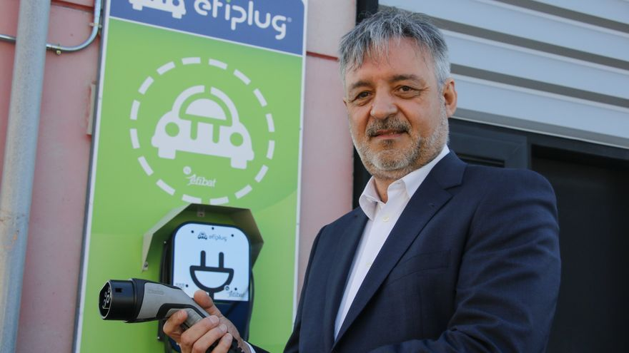 """""""El lema de nuestra empresa es, en si mismo, una invitación al ahorro energético"""""""