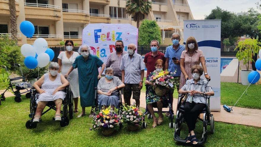 El Campello homenajea a cinco centenarios en el Día de los Abuelos