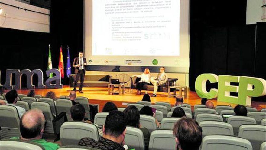 Más de 420 profesionales de la educación mostrarán sus buenas prácticas con TIC en Málaga