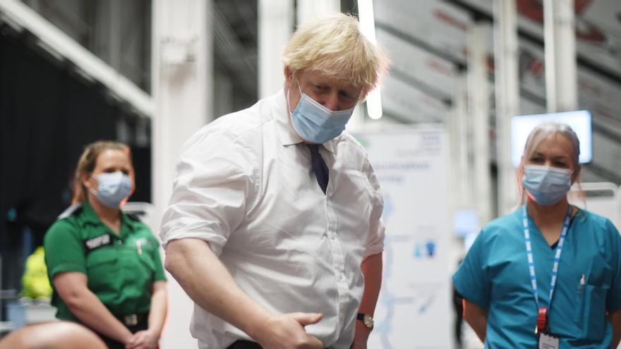 Johnson advierte de la escasez de oxígeno en algunos hospitales británicos