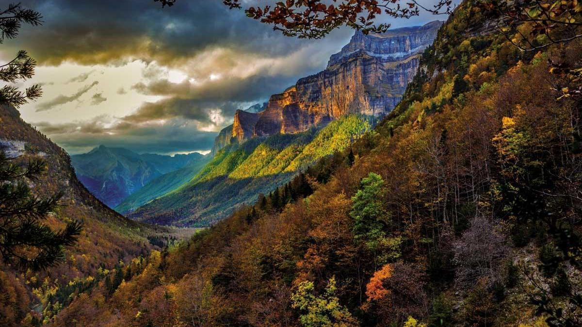 Tozal del Mallo, formación montañosa icono del Parque Nacional de Ordesa y Monte Perdido.