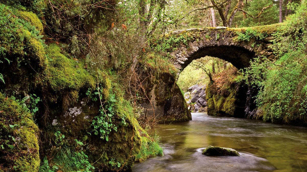 Puente de la Angostura, construido por Felipe II para el paso de carruajes.
