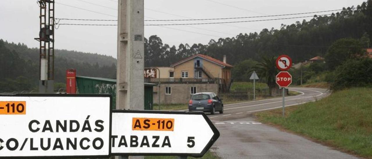 Tramo de la carretera entre Candás y Tabaza.