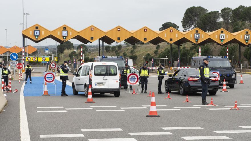 Brussel·les admet que els estats tardaran a aixecar els controls fronterers